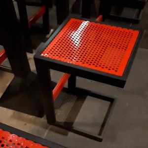 perforirana-lamarina-stol